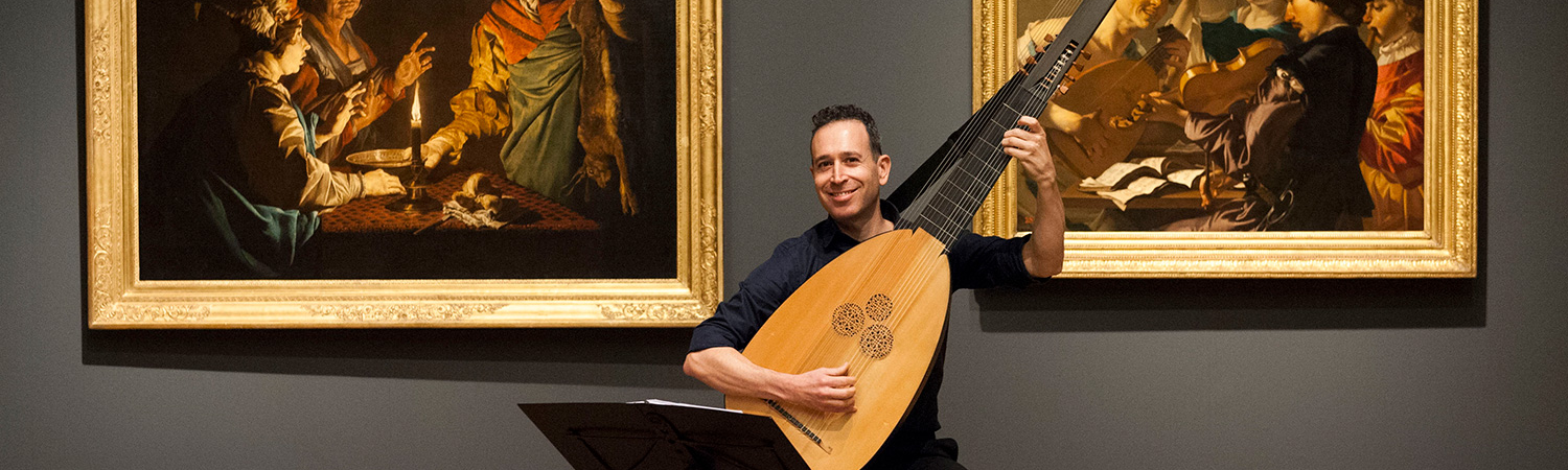 Israel Golani with theorbo. Image by photographer Janik Dam